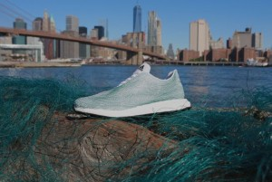 Zapatillas para tenis hechas con basura marina